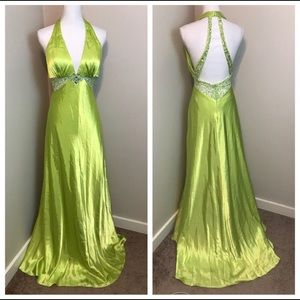 ♻️🌀Mori Lee NWT Halter Style Long Gown 8